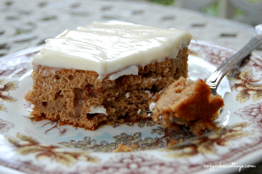 Easy Harvest Apple Spice Cake | Cozycakes Cottage