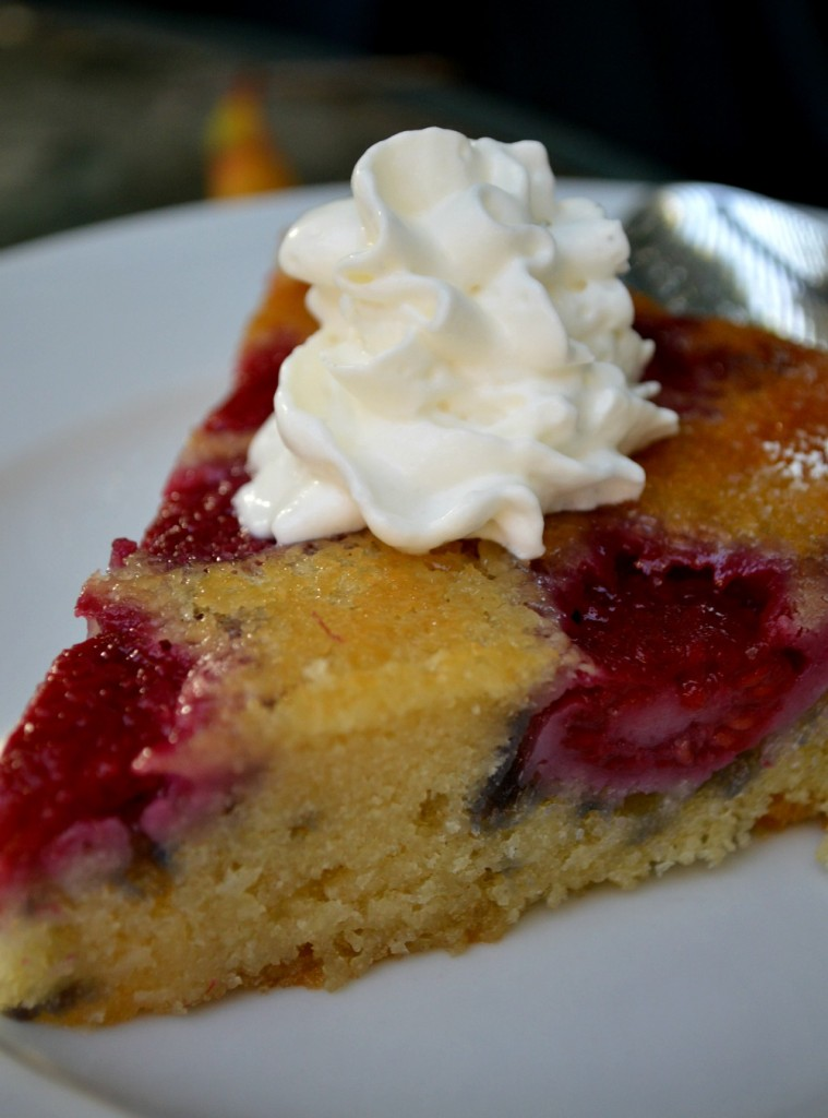 Cozycakes Cottage: Refreshing Raspberry Cake